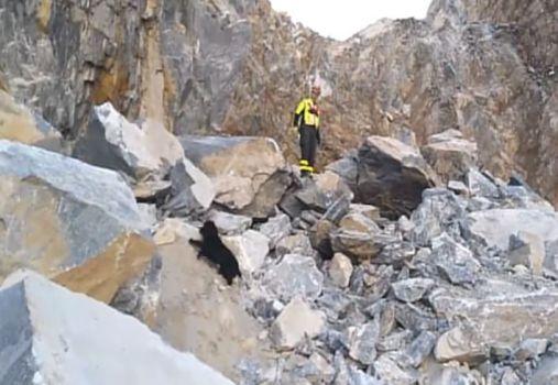 Frana cava marmo Carrara: trovato morto un primo operaio
