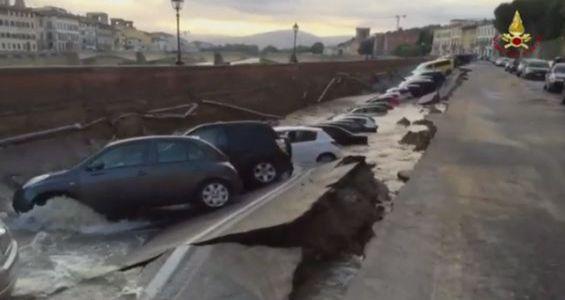 Firenze: incredibile crollo del Lungarno