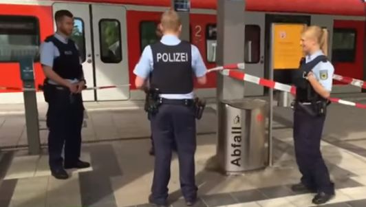Germania: un morto e tre feriti per aggressione in stazione. Terrorismo?
