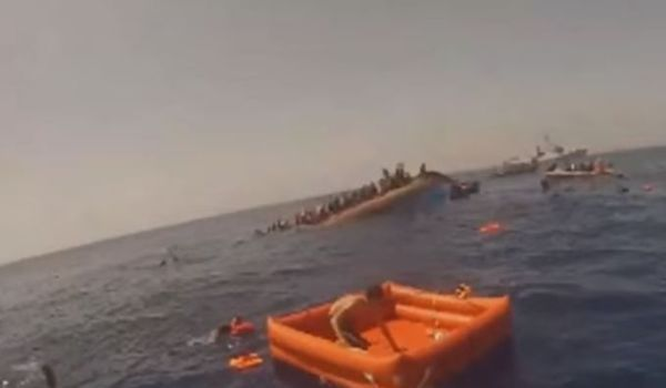 Migranti: 10 donne annegano al largo della Libia. Salvi in 100