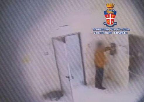Caserta: nove arresti all'Asl. Timbravano, ma non lavoravano
