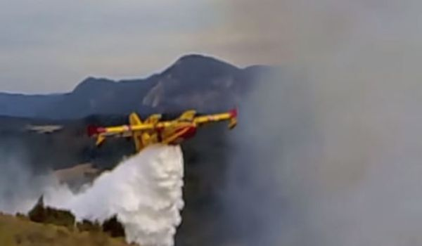 Francia: violento incendio fa sfollare 3 mila persone