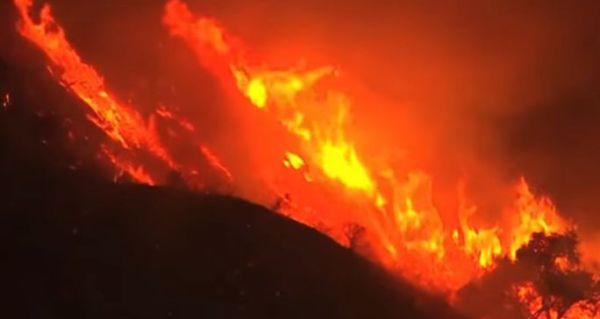 California: violenti incendi seminano terrore