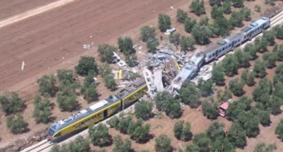 La tragedia ferroviaria in Puglia: 27 morti. 50 feriti. Si poteva evitare?