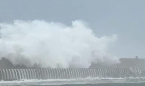Taiwan: sfollati 3 mila turisti per l'arrivo di un tifone