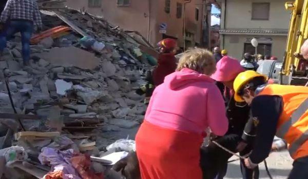 Terremoto: aumentano i morti. Tanti bambini. Centinaia i dispersi