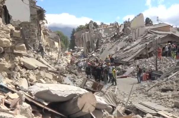 Forte scossa di terremoto nel centro Italia: panico tra i cittadini