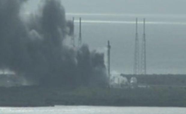 Esplosione alla base spaziale Kennedy in Florida
