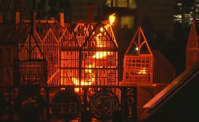 Londra: incendio sul Tamigi. Ricordo di quello vero di 350 anni fa