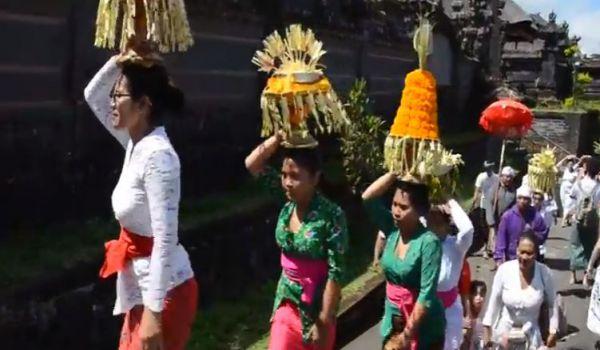 Bali: crolla un ponte. Muoiono in nove