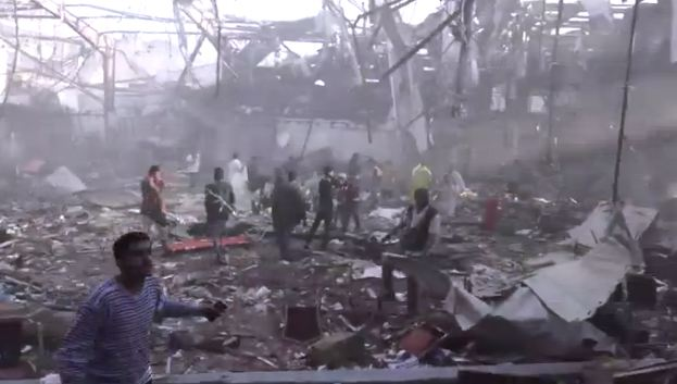 Yemen: strage saudita per bombe su funerale. 155 morti