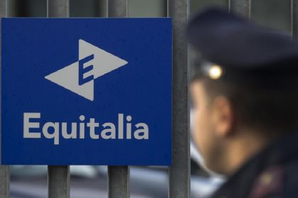 Renzi: chiude Equitalia