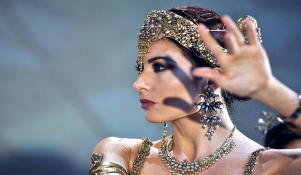 Mata Hari: occhi del giorno e della notte spia? o ballerina?