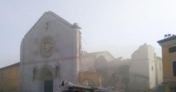 Un imprenditore risponde al terremoto e adotta il Duomo di Norcia