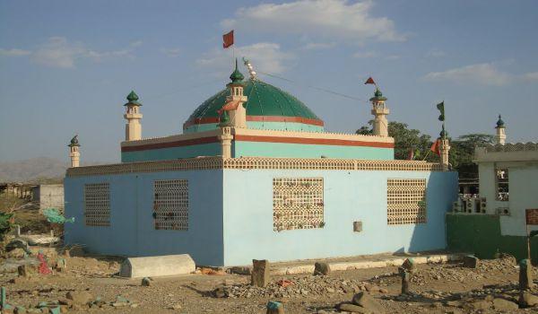 Pakistan: attentato contro moschea fa 30 morti e 70 feriti