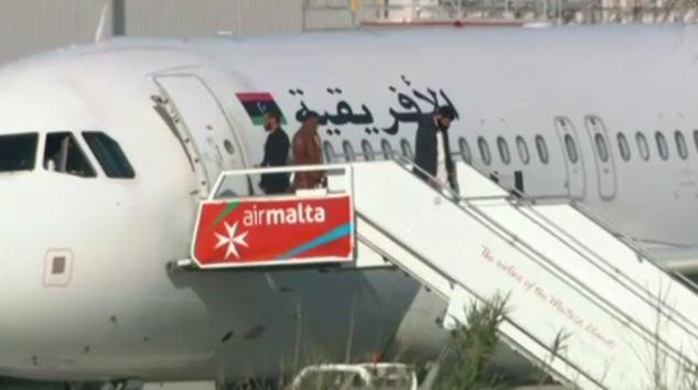 Malta: dirottamento aereo libico finisce bene. Liberi i 118 a bordo