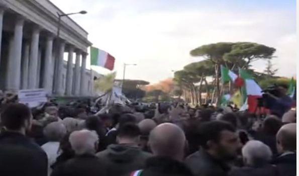 Referendum: per i politici italiani una Befana anticipata
