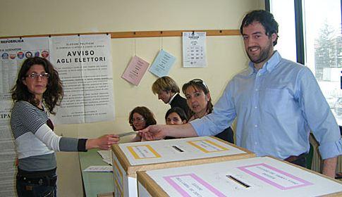 Nino Galloni: follia andare a votare con il Mattarellum