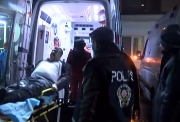 Istanbul: vestito da Babbo Natale fa strage in  discoteca. 39 morti