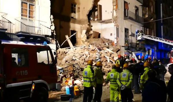 Crolla palazzina, donna muore a Catania