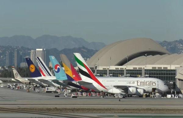 Usa e Uk: no pc e tablet su voli da sei paesi del Medioriente