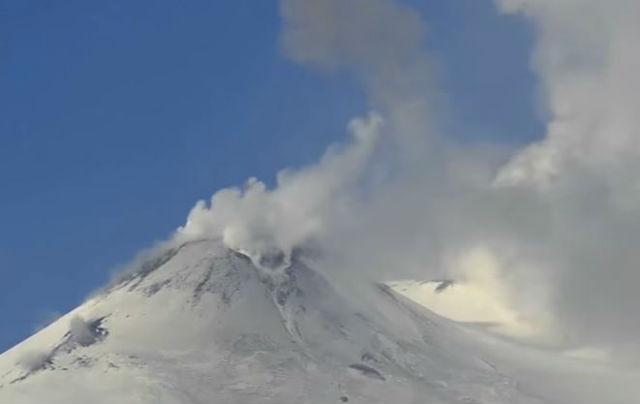 Etna: 10 feriti per esplosione vulcanica