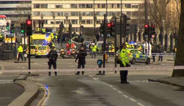 Westminster: britannico l'autore dell'assalto al Parlamento. 4 i morti. 8 arresti