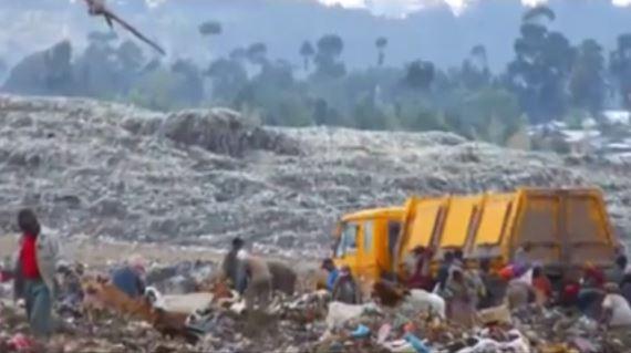 Etiopia: valanga di rifiuti su decine persone. 15 morti. Molti i dispersi