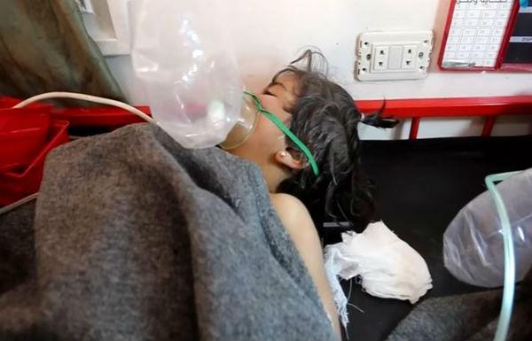 Siria: altri morti per armi chimiche. Usa avrebbero bombardato deposito Isis. Bombe anche su milizie alleate