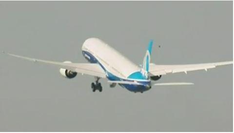 Boeing: primo volo del 787-10