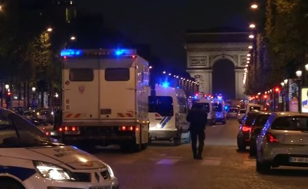 Torna il terrore a Parigi: attacco agli Champs Elysées VIDEO
