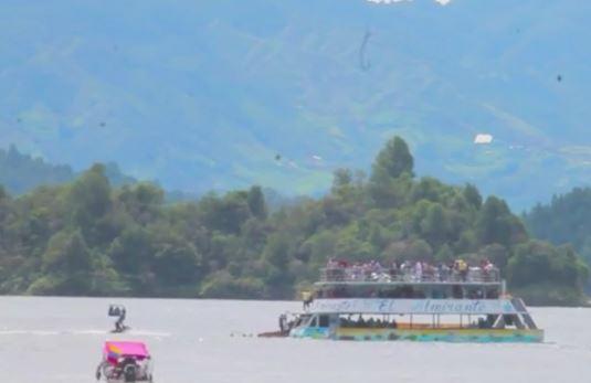 Colombia. Barca turistica affonda. 22 tra morti e dispersi