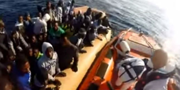 Migranti. Nuova emergenza: sbarcati in 12 mila