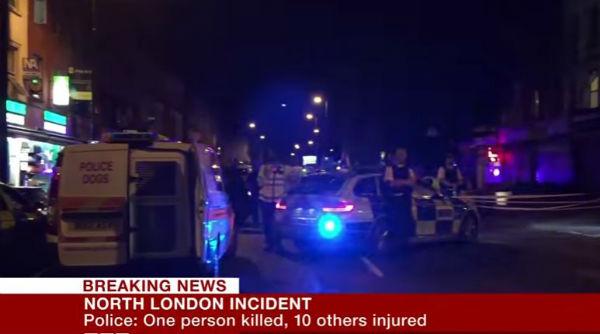 Londra: van sui fedeli di una moschea. Un morto e otto feriti