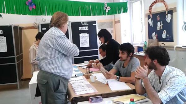 Si vota fino alle 23 in 1.000 comuni. Test importante per tutti i partiti