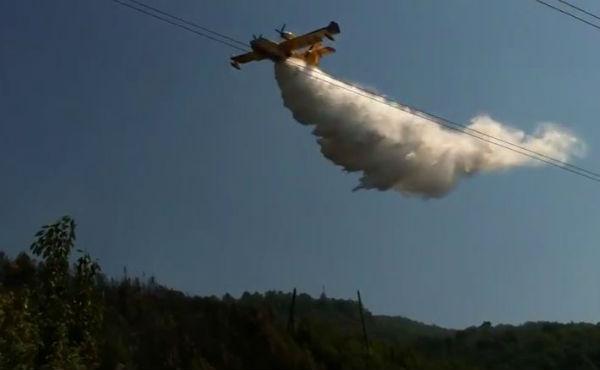 Messina, incendi minacciano alcune abitazioni