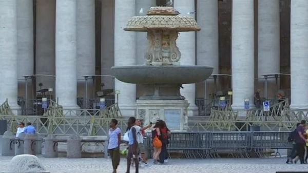 Acqua: razionamento a Roma? Il Papa chiude le fontane del Vaticano