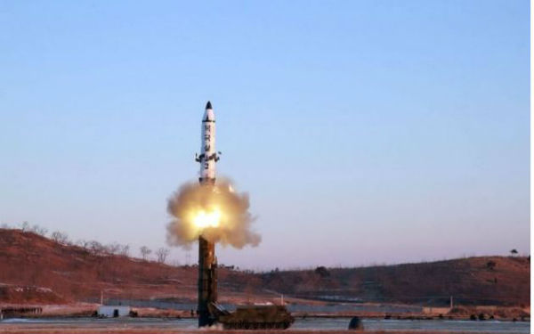 Corea del Nord lancia nuovo missile verso Giappone