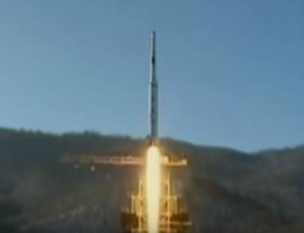 Corea del Nord: gli Usa rispondono ai missili con il sorvolo di  suoi bombardieri