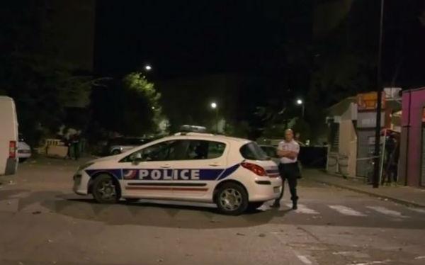 Francia: spari davanti ad una moschea, 8 feriti