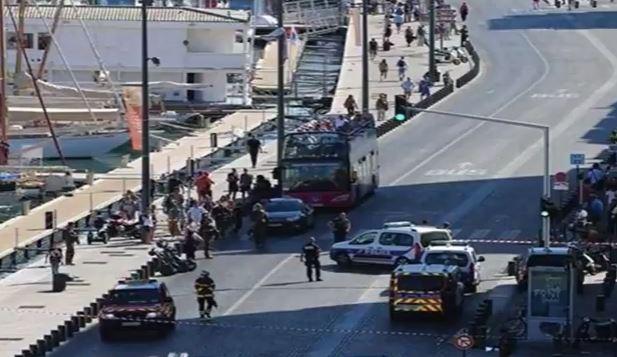 Francia: auto sulla gente, ma si tratterebbe di un malato di mente. Una donna uccisa