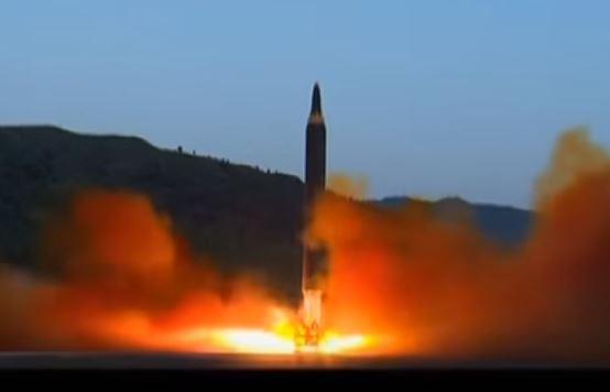Corea del Nord lancia tre missili nel Mar del Giappone
