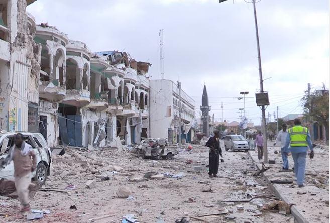 Somalia: 84 le vittime di un camion bomba che ha distrutto un hotel