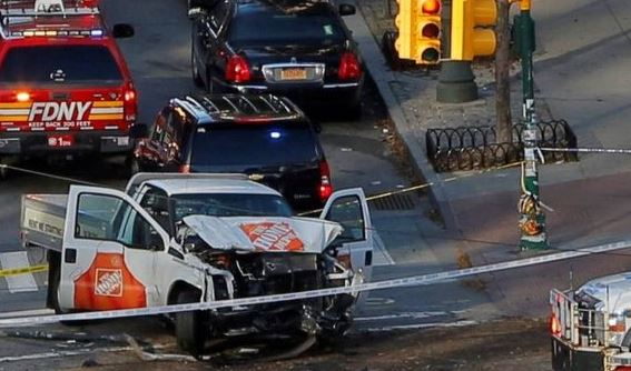 8 morti per terrorismo a New York. 12 feriti