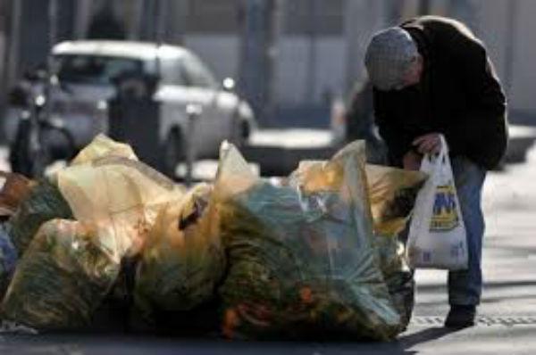 Un italiano su tre a rischio povertà