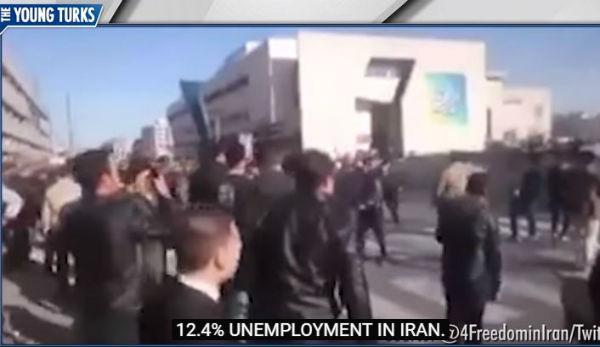 Iran: aumentano i morti per le proteste in strada