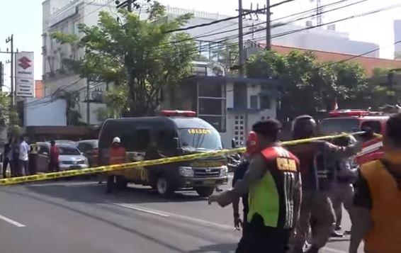 Indonesia: altri attacchi suicida. Contro chiese cristiane e polizia. 13 morti.