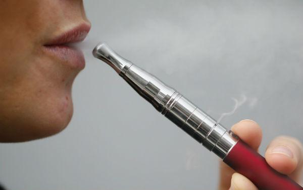 Esplode la sigaretta elettronica Muore un uomo di 38 anni