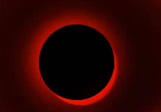 In attesa della Luna rossa, per l'eclissi più lunga