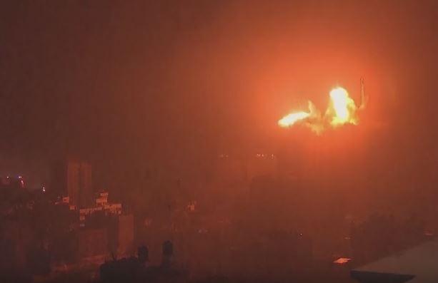 Israele bombarda Gaza. Tre morti tra cui donna incinta